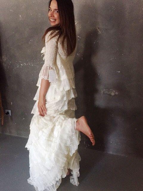 En Cayetana el vestido de Charoa luce espectacular!