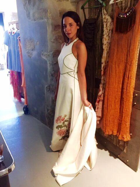 Otro plano de este precioso vestido de María Alegre